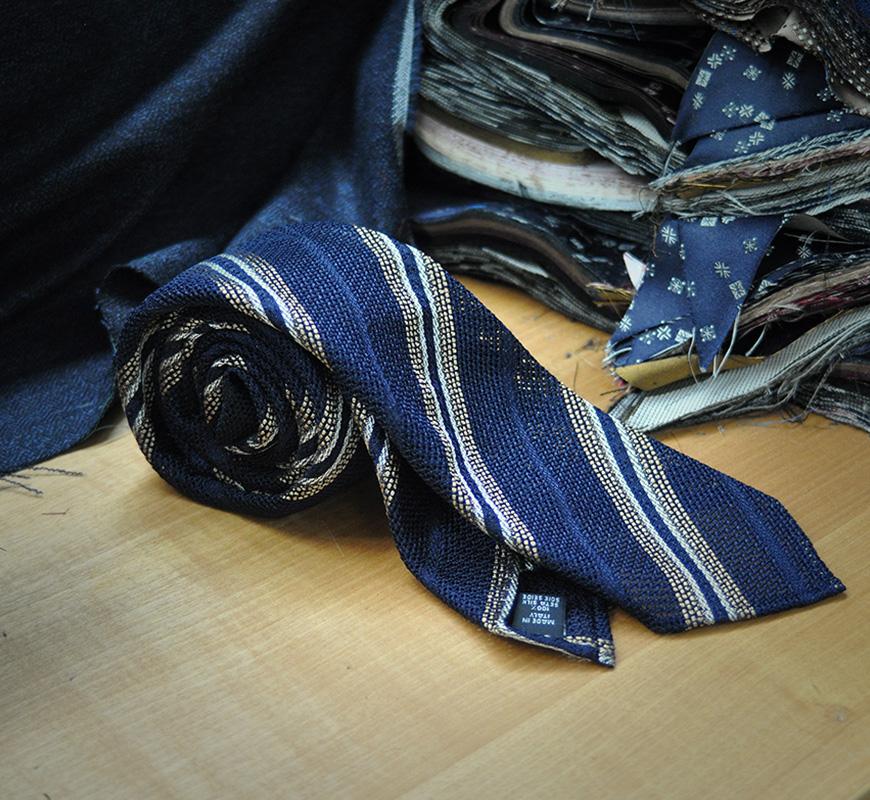 tyt-stripes-gold-on-blue